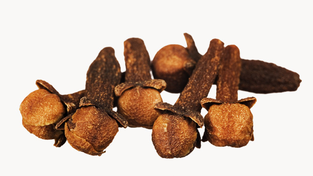 Cloves for home remedy