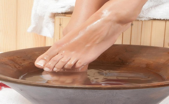 Home Remedies Hot water for  foot pain